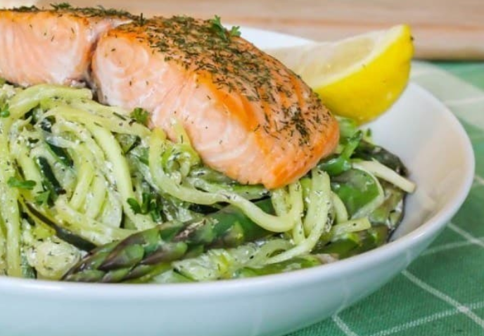 "Baked Salmon with Creamy Lemon Dill Zucchini ""Pasta"""